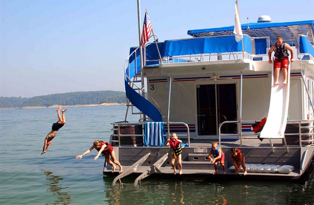 Houseboats and Water Sports | Visit Trinity