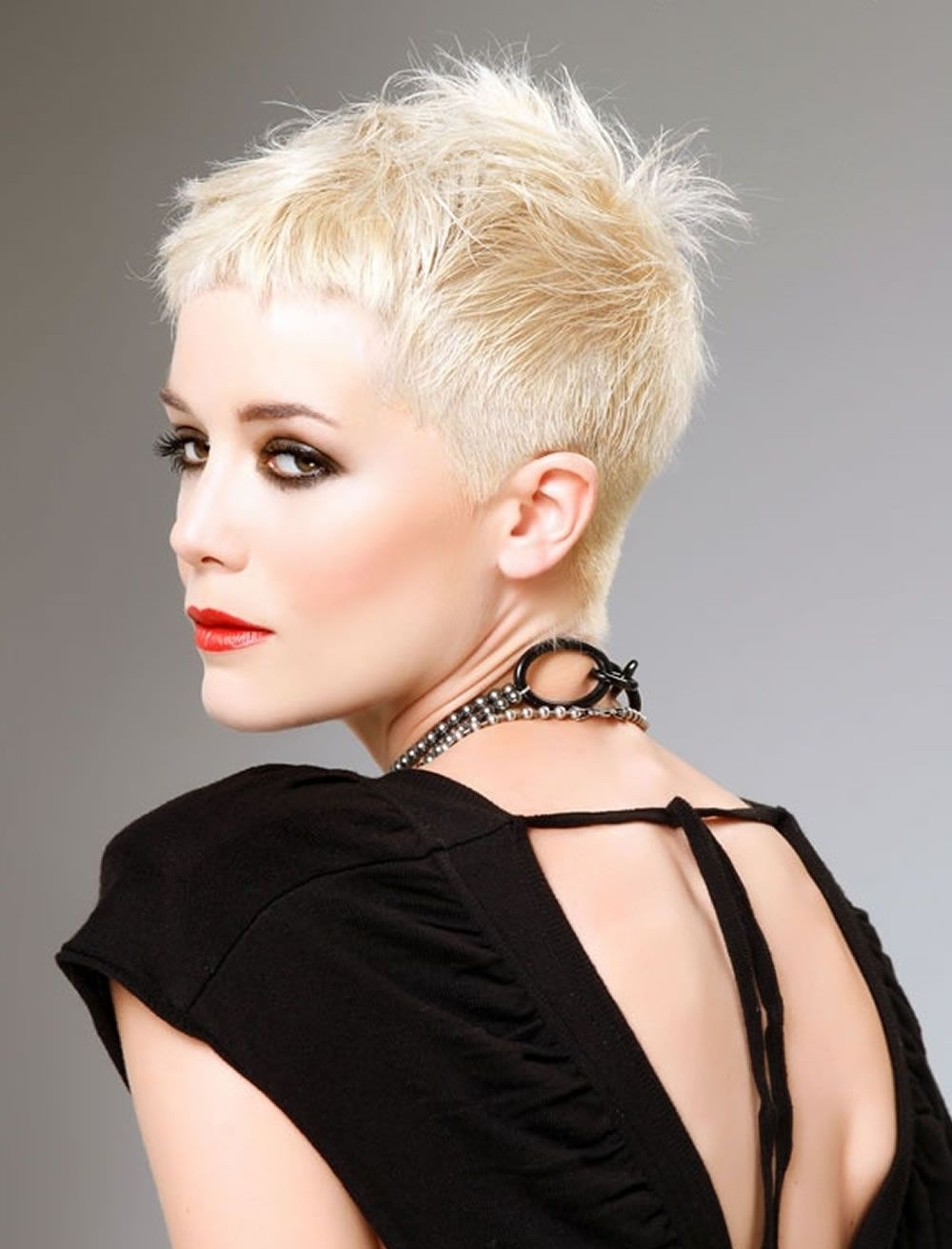 15 Photos Short Blonde Pixie Hairstyles
