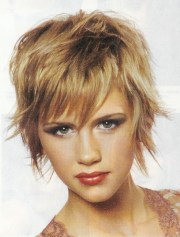 2018 popular shaggy textured hairstyles
