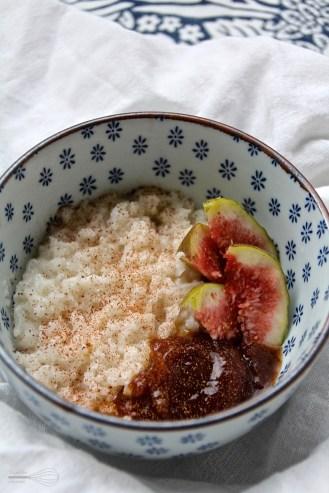 Riisipuuro kookosmaitoon keitettynä