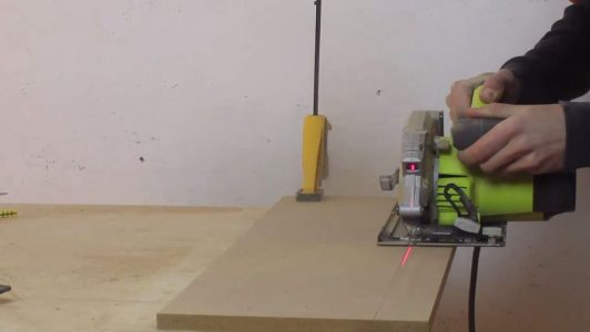 Coupe planche mdf
