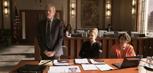 Goliath (Season 2) – Billy McBride (L) with Patty Solis-Papagian (centre), defending Julio Suarez (R).