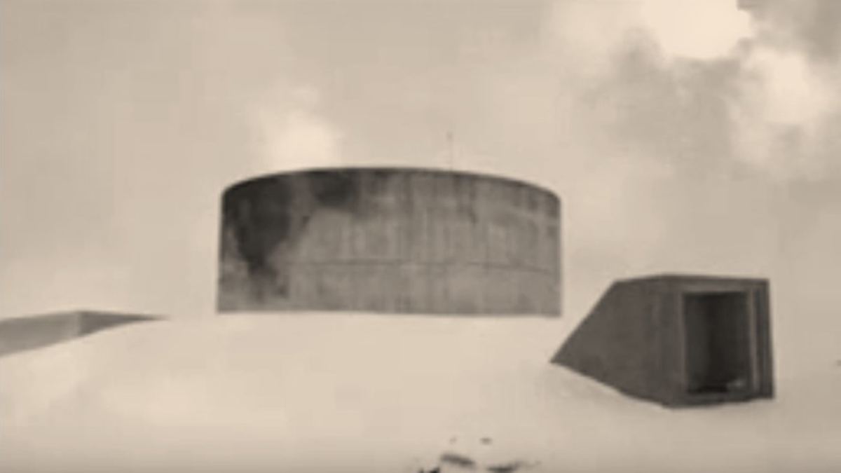 Scene showing the silo bunker where survivors lived for 10 years after the impact in Mutant World (2014)