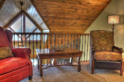 Upstairs-Loft-2