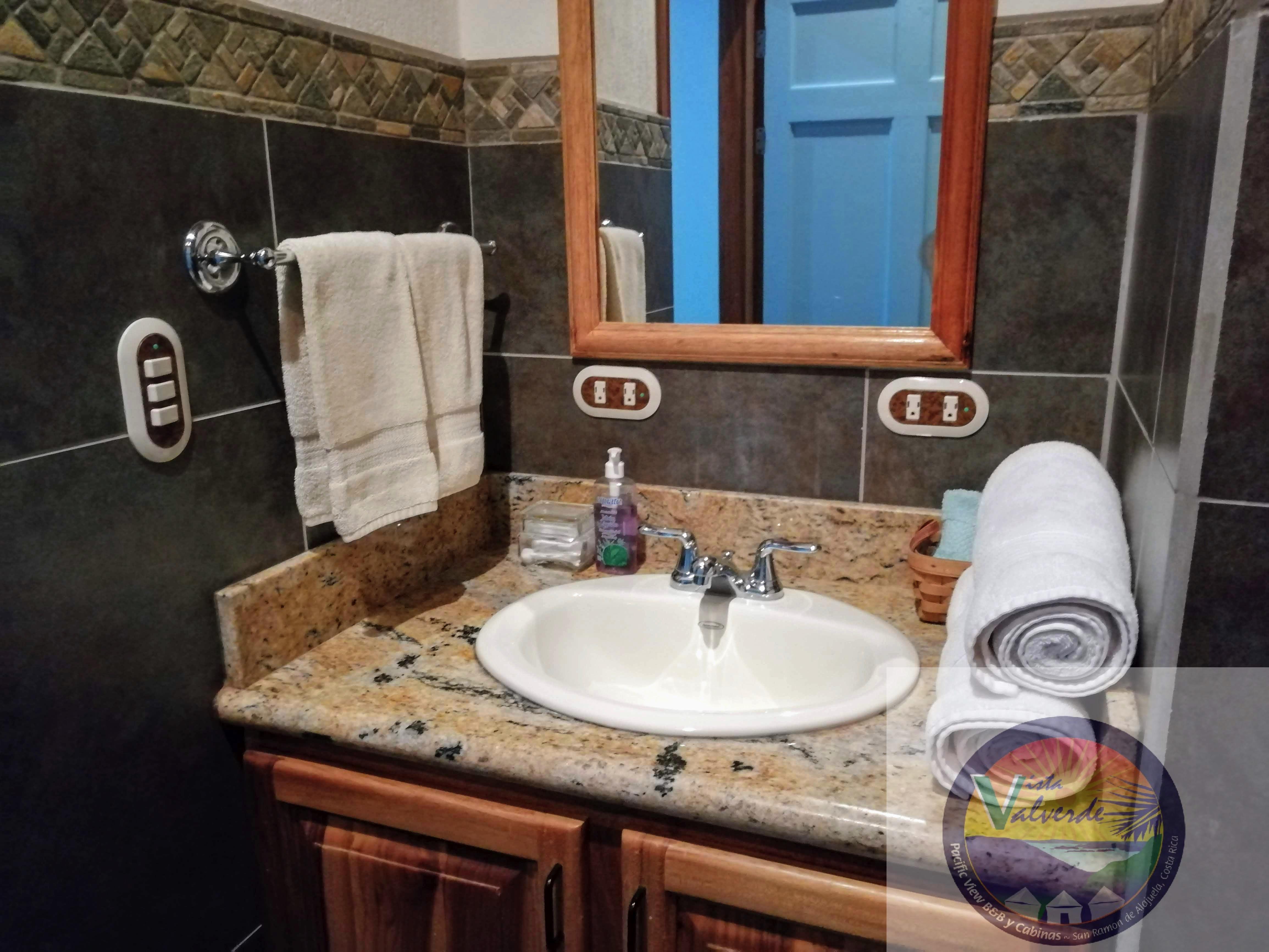 luxury bathrooms Vista Valverde