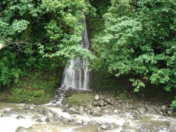 River and Waterfall in Angeles Sur-75 acres