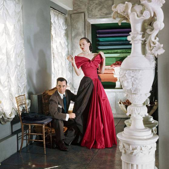 James fitting Austine Hearst for a gown, 1947