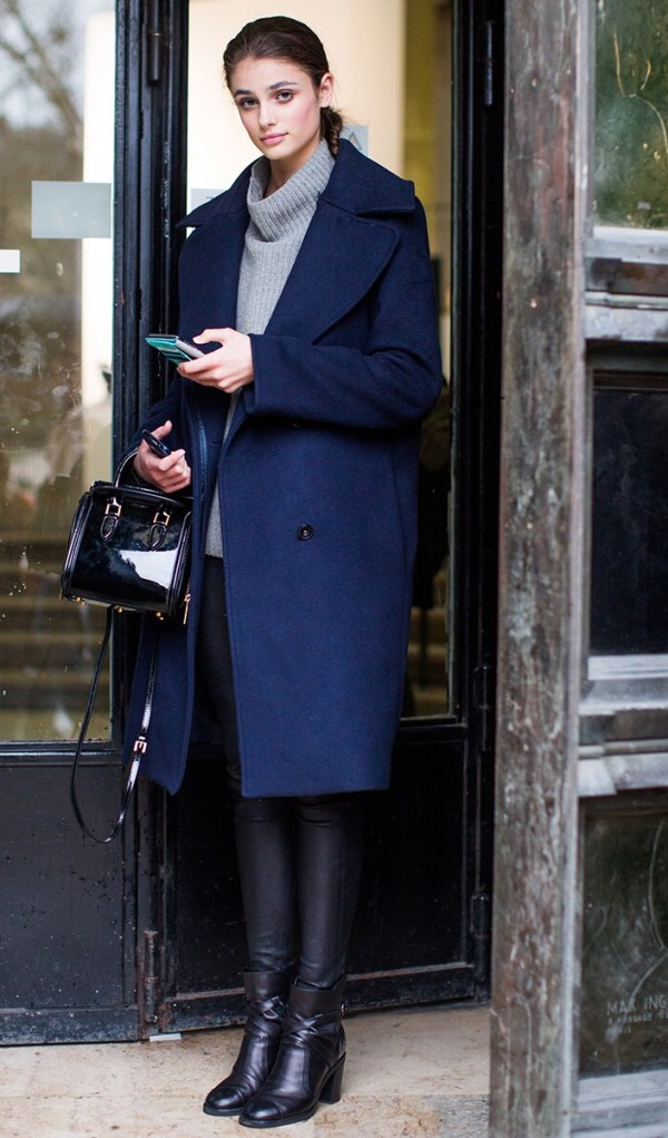 look_pull_col_roule_gris_manteau_marine_streetstyle