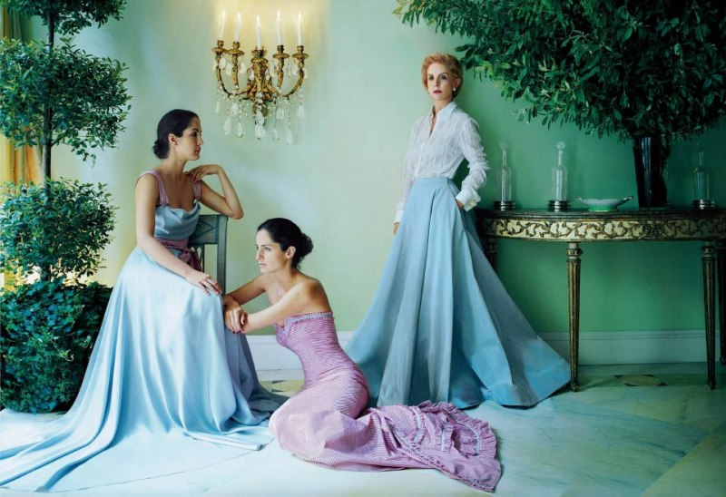 Carolina Herrera with daughters