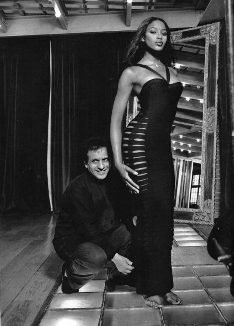 iconic photo of french designer Azzedine Alaïa with naomi campbell