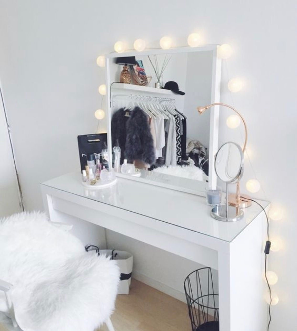 50 Dressing Table Mirror With Lights You Ll Love In 2020 Visual Hunt