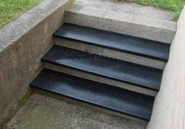 50 Outdoor Rubber Stair Treads You Ll Love In 2020 Visual Hunt | Decorative Rubber Stair Treads | Modern Exterior Stair | Pattern | Pie Shaped | Abrasive | Dark Wood Step