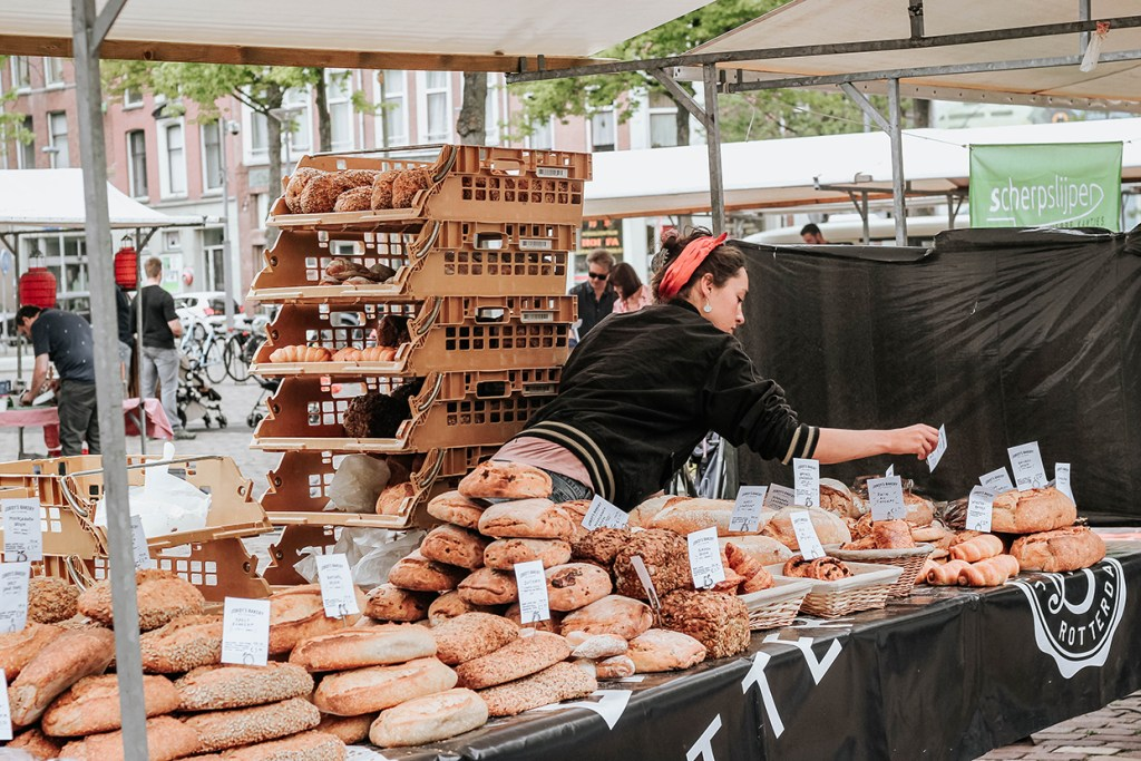 Shopping local = buying local at the Oogstmarkt, Noordplein​