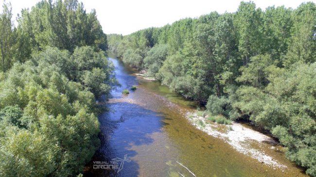 Medio ambiente, revisión de cuencas hidrográficas con drones