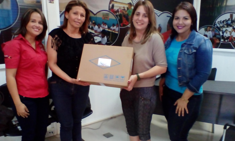 Centro de educación y Fundación de Círculos Estudios Bolivarianos reciben aporte de VIT.