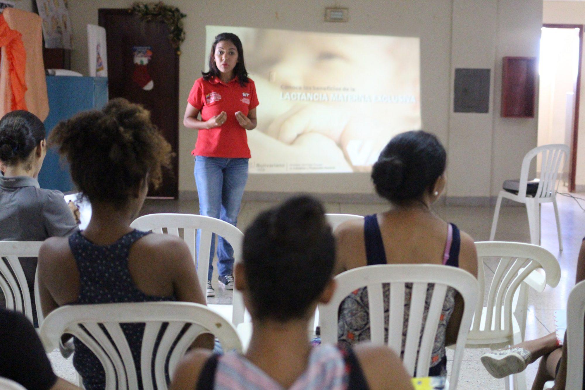 VIT imparte charla sobre Lactancia Materna Exclusiva en las comunidades