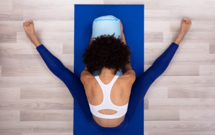 Yoga & CBD. V shape bend