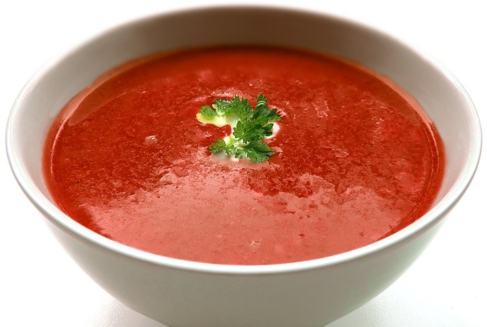 Tomatensuppe, Fastenkur zur Gewichtsreduktion wöchentliches Menü nur 1000 Kcal pro Tag, diät, abnehmen, gesunde ernährung, gewicht verlieren