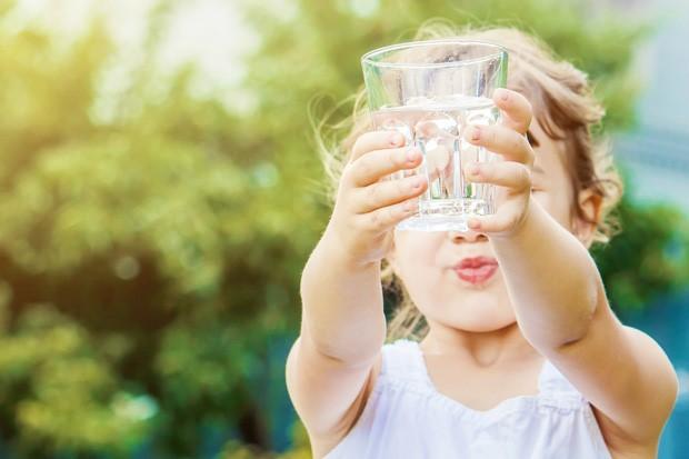 Os benefícios da água para a sua saúde.