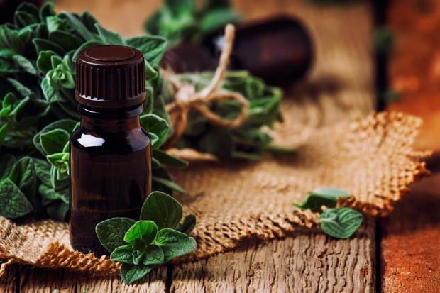 candidiase-os-oleos-de-coco-e-oregano-podem-ajudar-no-tratamento