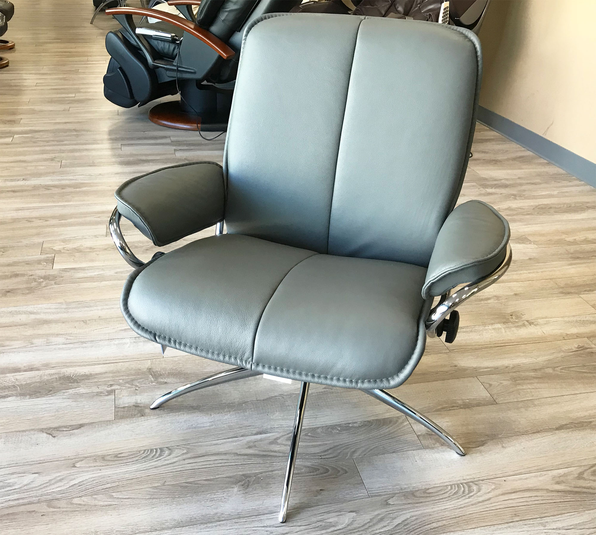 Ekornes Chairs Stressless City Low Back Batick Grey Chrome Base Leather