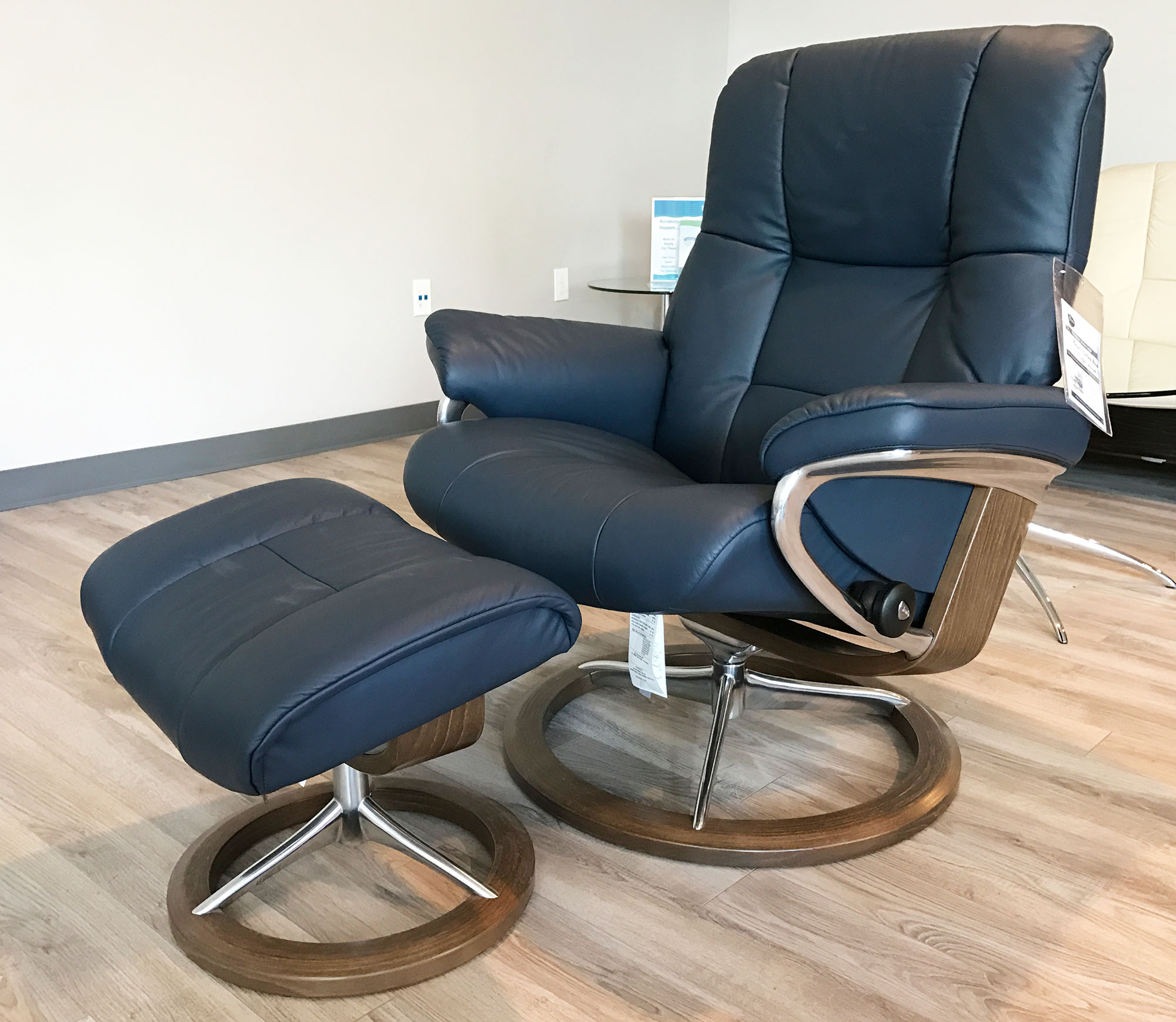wood recliner chair cover rentals los angeles stressless mayfair signature walnut paloma oxford