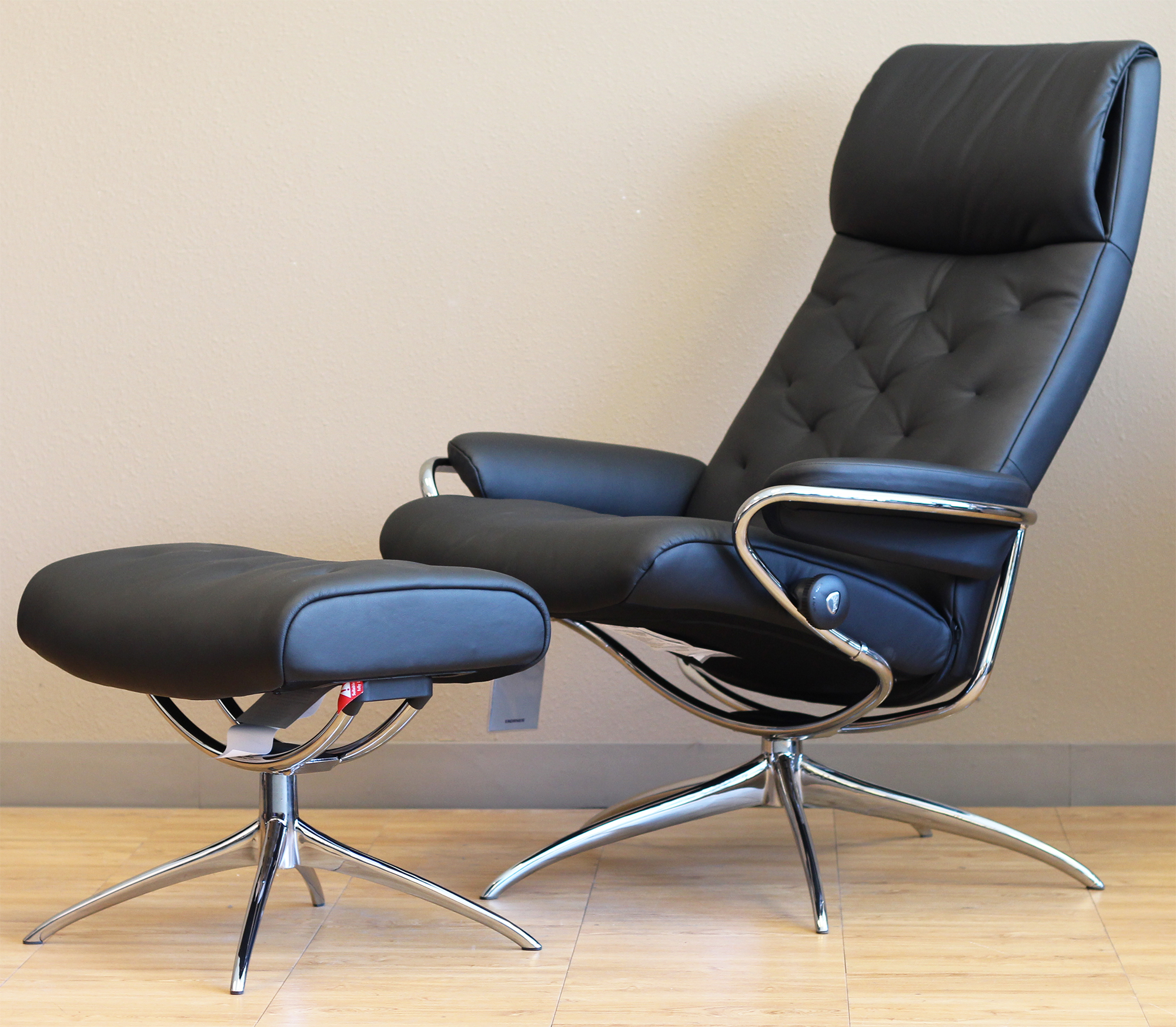 Leather Reclining Chairs Stressless Metro High Back Paloma Black Leather Recliner Chair By Ekornes