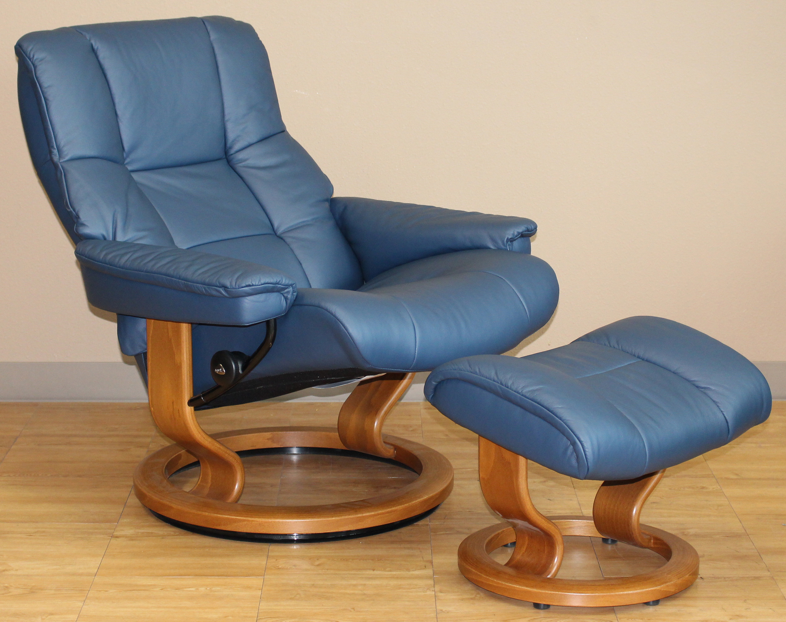 Blue Leather Club Chair Stressless Kensington Large Mayfair Paloma Oxford Blue