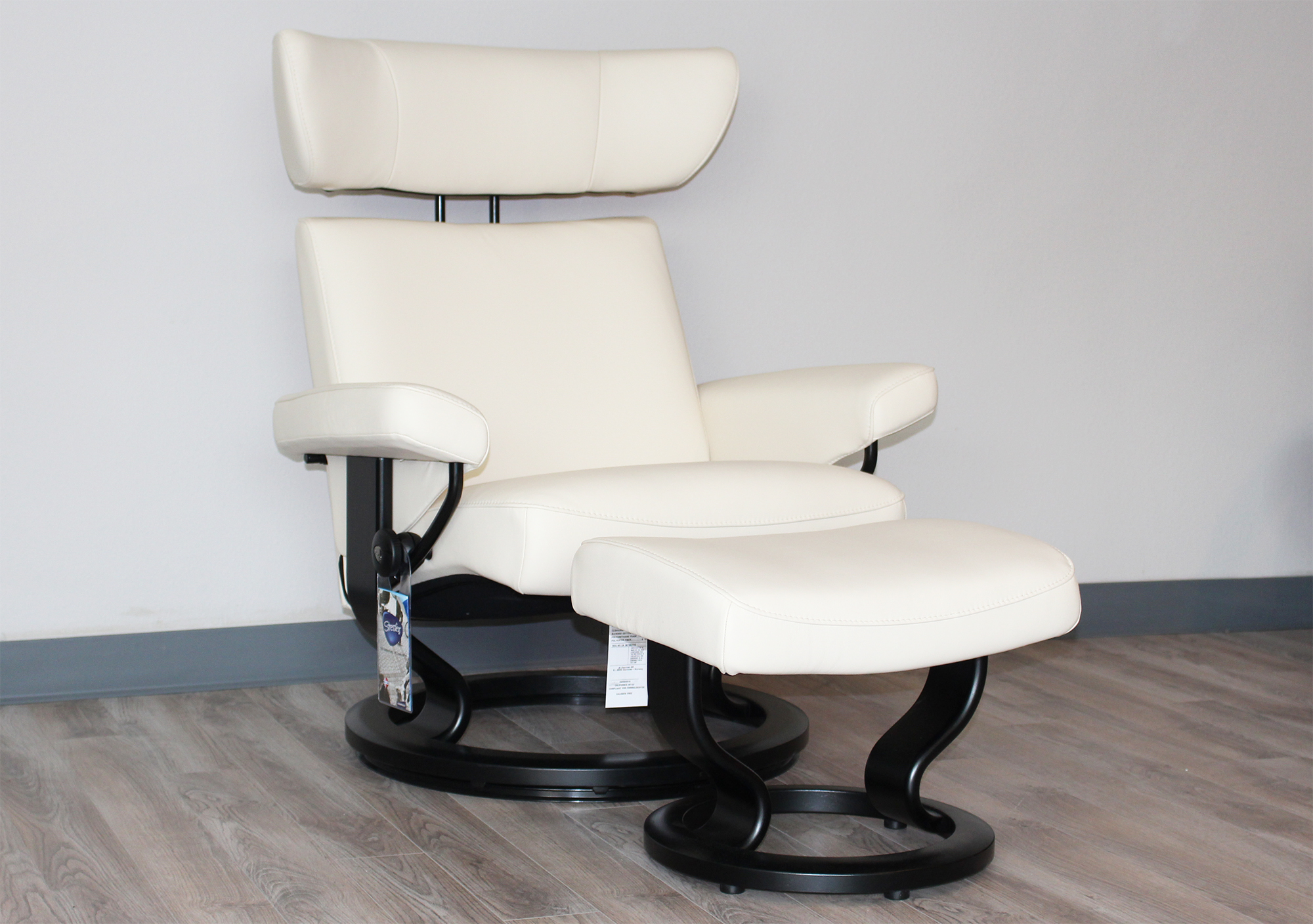 Ekornes Chairs Ekornes Stressless Viva Leather Recliner And Ottoman