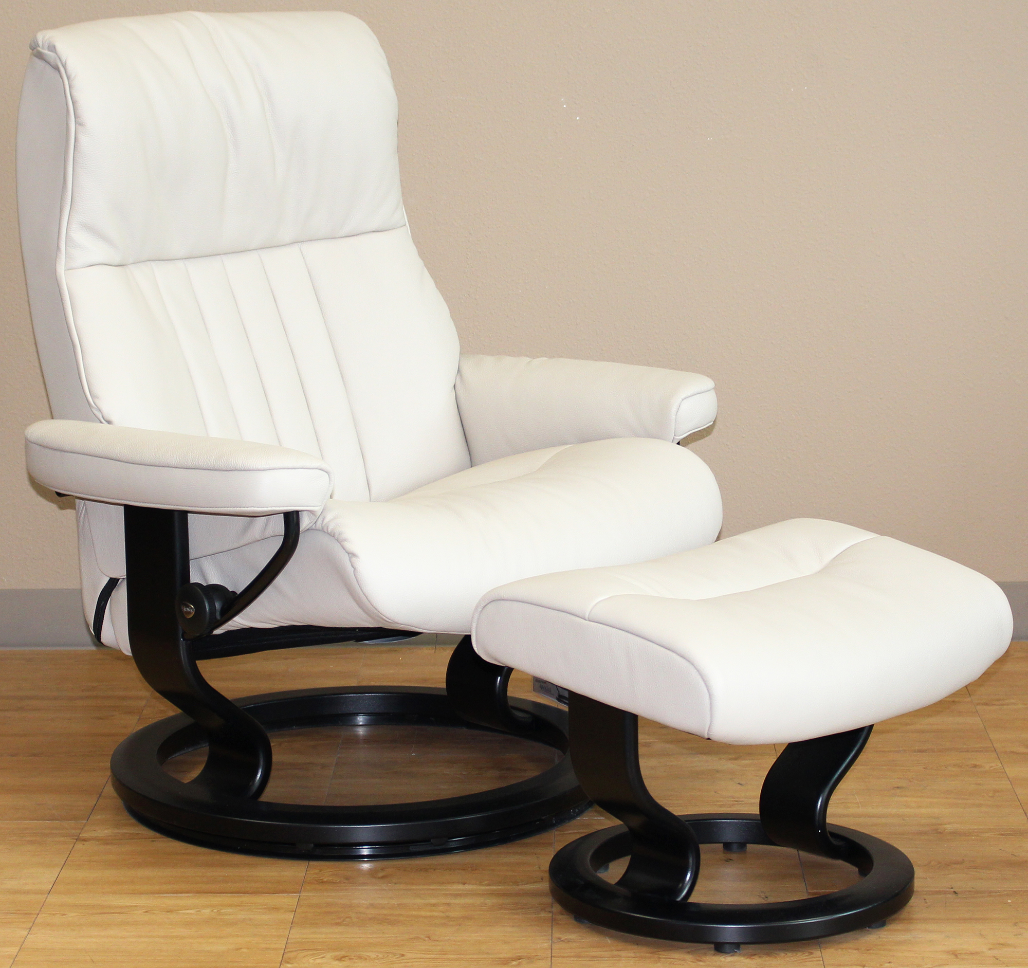 Ekornes Chairs Stressless Crown Cori Vanilla White Leather Recliner Chair
