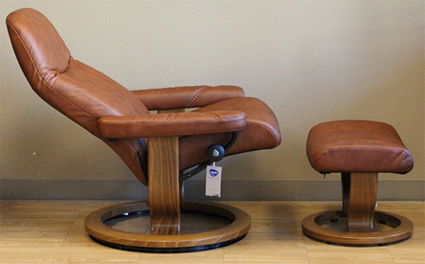 blue recliner chair cow print office with arms stressless batick caramel 09348 leather by ekornes - ...