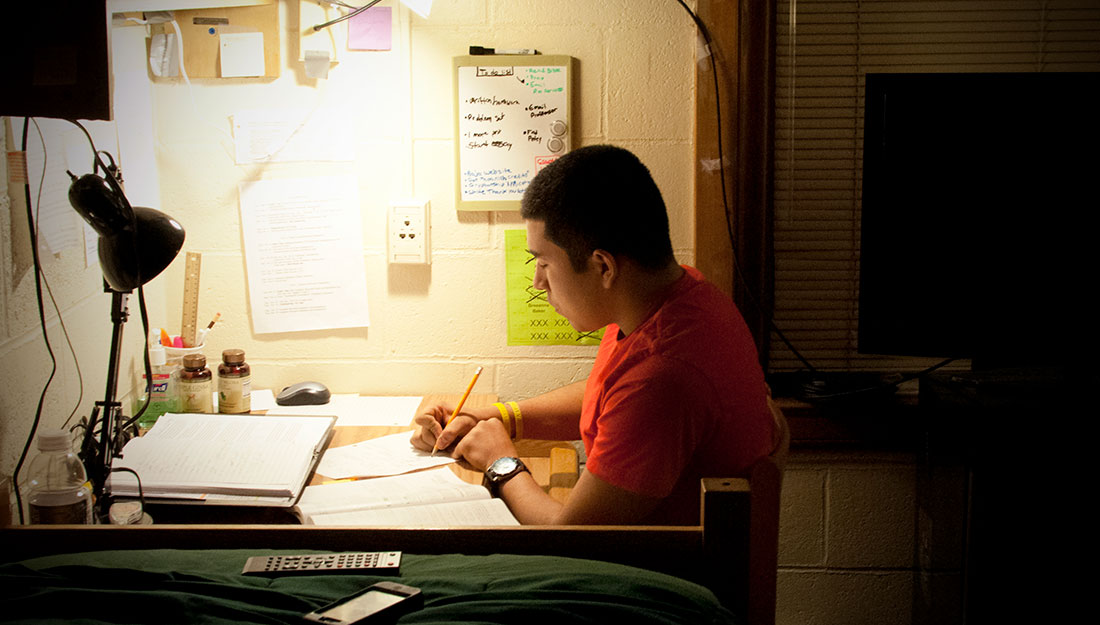 all-nighter student studying