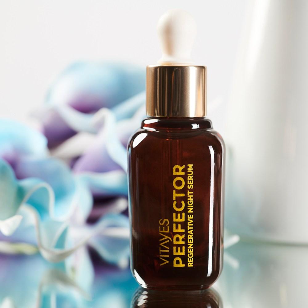 PERFECTOR Siero Notte Rigenerante, promuove la produzione di collagene ed elastina, beauty routine serale