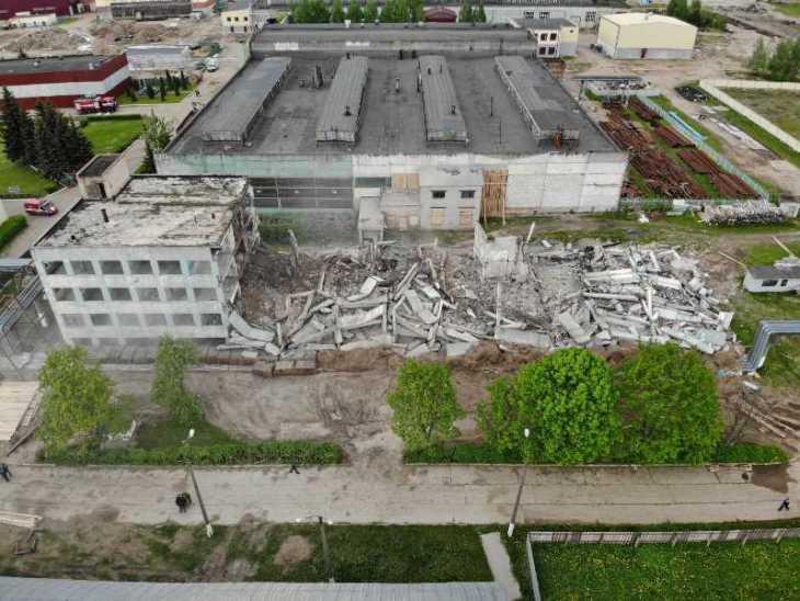 Спасатели взорвали здание ОАО «Завод Легмаш» в Орше