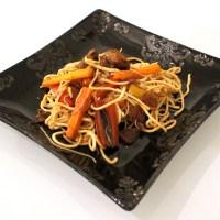 Nouilles chinoises sautées aux 4 épices