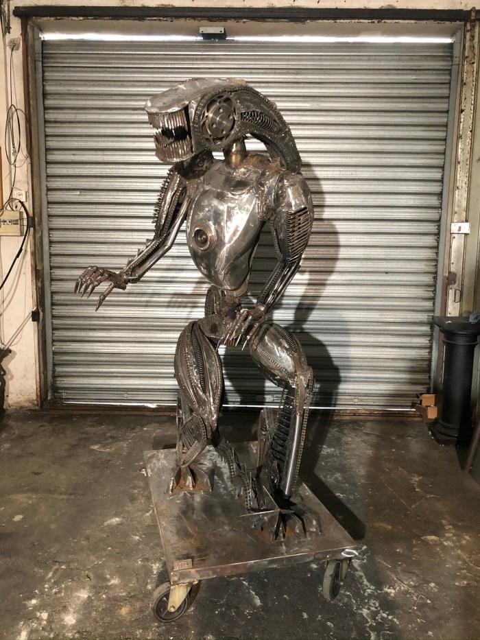 Aien Vito Art Métal sculpture sur métal recyclé xénomorphe