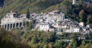 Hóstias intactas, depois de ano e meio do terremoto