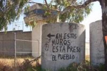 abajo-los-muros-de-lasprisiones