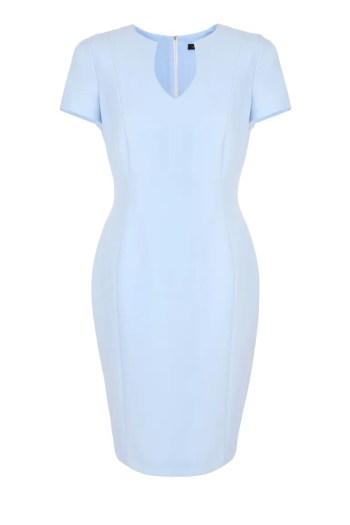 Linia biznes. Błękitna sukienka do pracy z krótkim rękawkiem.