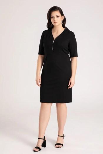 Czarna dzianinowa sukienka plus size ze srebrnym suwakiem marki Vito Vergelis
