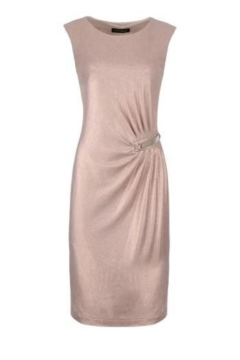 złota, rozciągliwa sukienka wizytowa Vito Vergelis. Sukienka z drapowaniem i klamrą