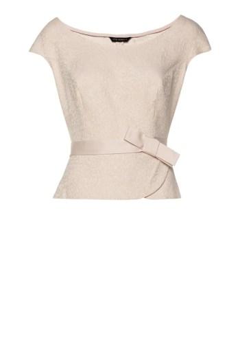 Wizytowa bluzka z baskinką w kolorzr pudrowego różu. Linia wizytowa Vito Vergelis