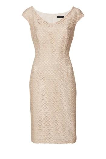 Różowa sukienka z dzianinowej gipiur. Pastelowa sukienka na chrzciny