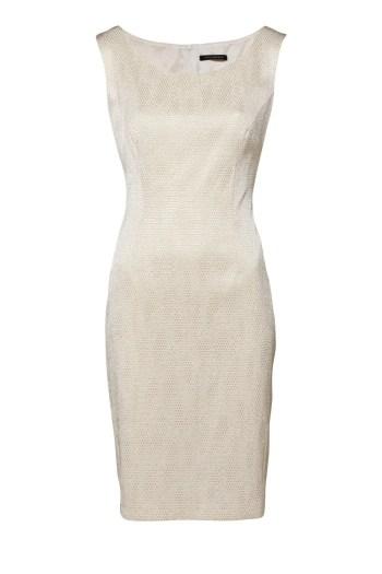 Złota sukienka wizytowa. Ołówkowa sukienka Vito Vergelis bez rękawków.