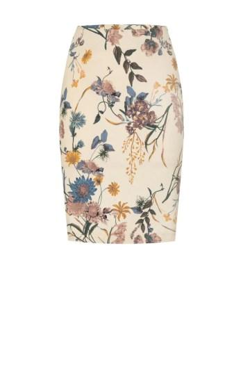 ołówkowa spódnica w kwiaty polska marka Vito Vergelis