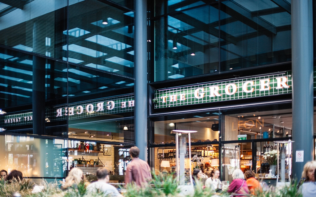 Service de pose et dépose de vitrine sur Bruxelles par Vitraco