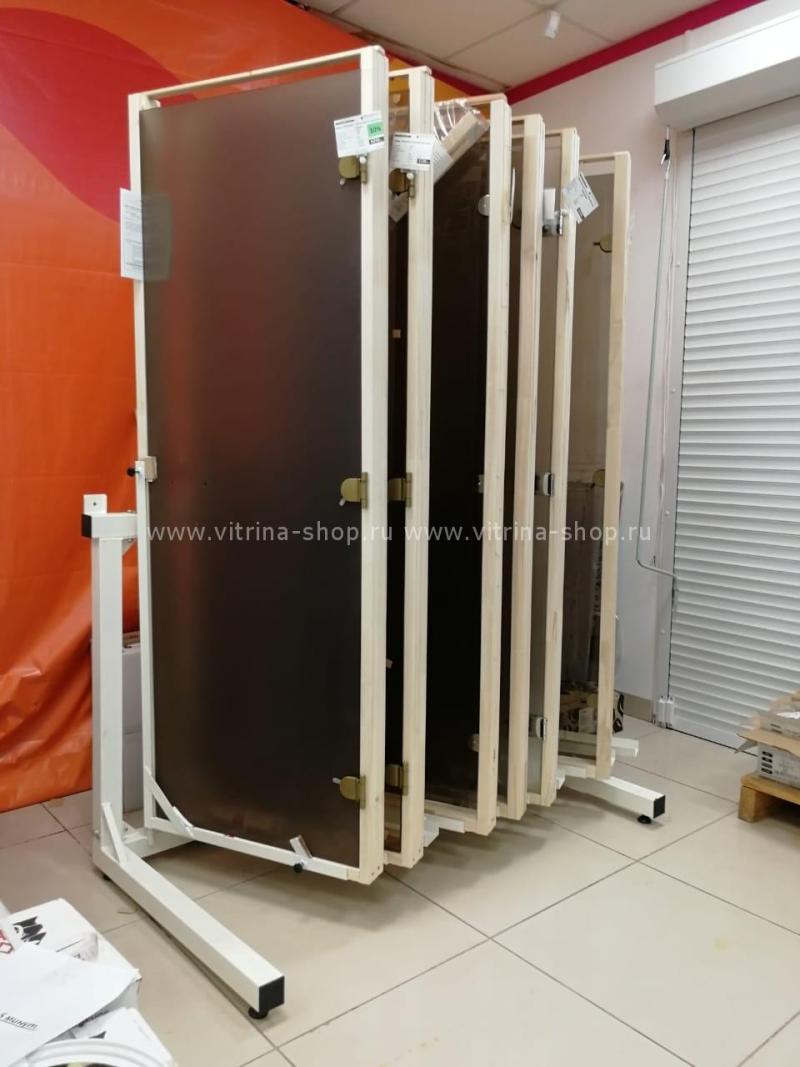 Экспозитор для банных дверей с коробками