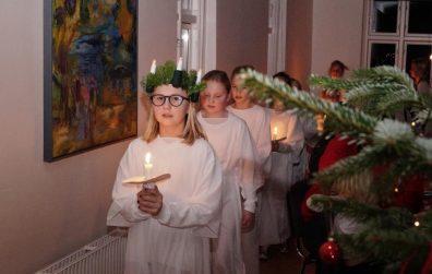 Kom til fællesspisning og Lucia tirsdag den 10. december
