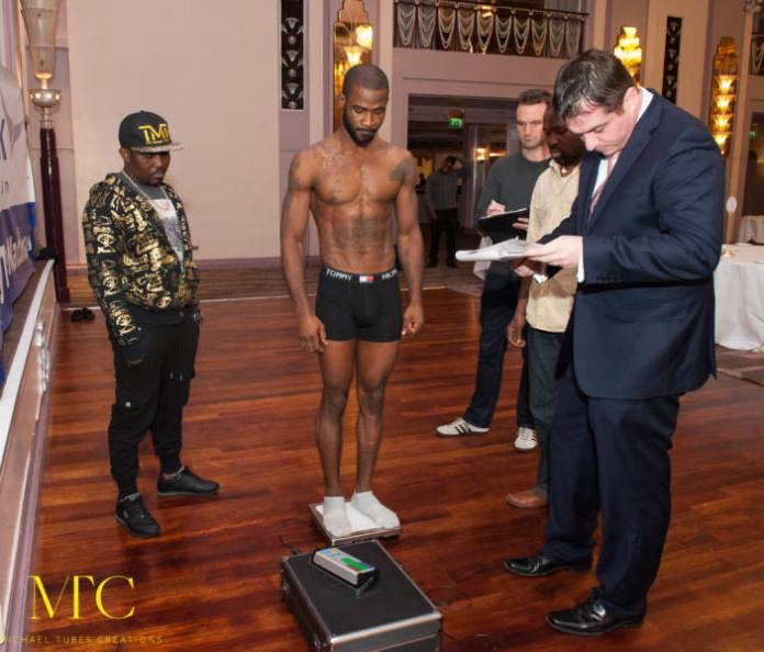 Larry Ekundayo vs Lamptey weigh in-3