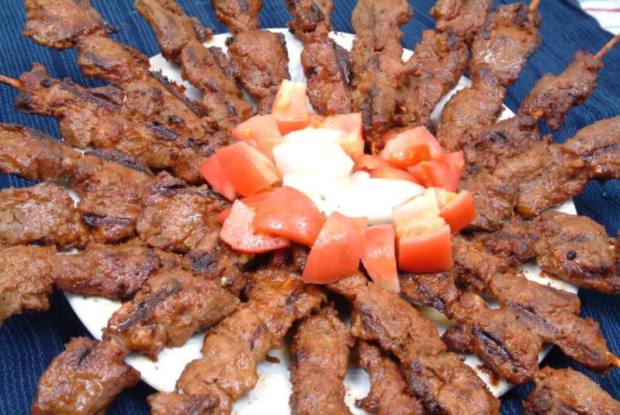 """""""She"""" is waiting for you! (6 reasons Nigerians think Suya is bae)"""